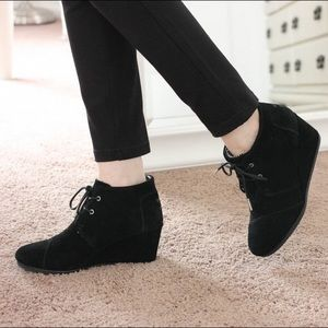 TOMS Desert Wedge Booties Black